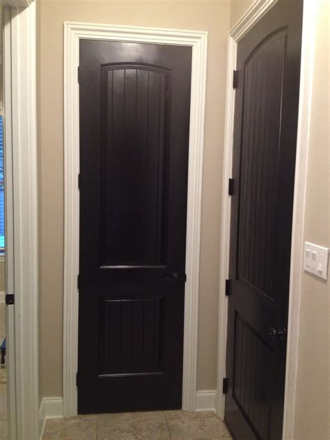 Black Interior Doors With White Trim 9 Best Images About Black Door White Trim On Wall Colors Painted Interior Doors And