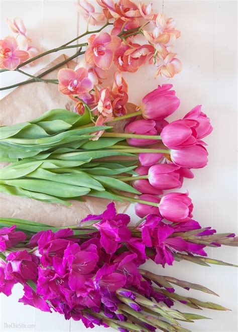 Diy Flower Vases Submerged Flower Centerpiece The Chic Site