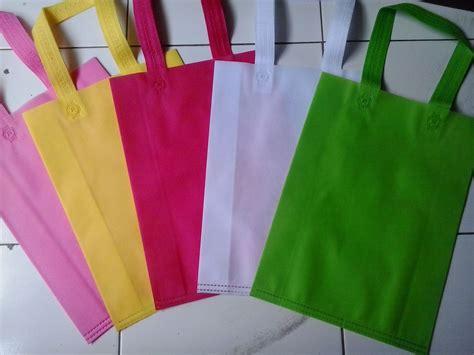 Sablon 1 Warna 1 Sisi jual tas spunbond tas acara murah 30x40 cm sablon 1 sisi 1 warna edysmart