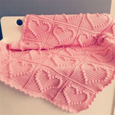 heart pattern baby blanket free baby blanket knitting patterns with hearts crochet