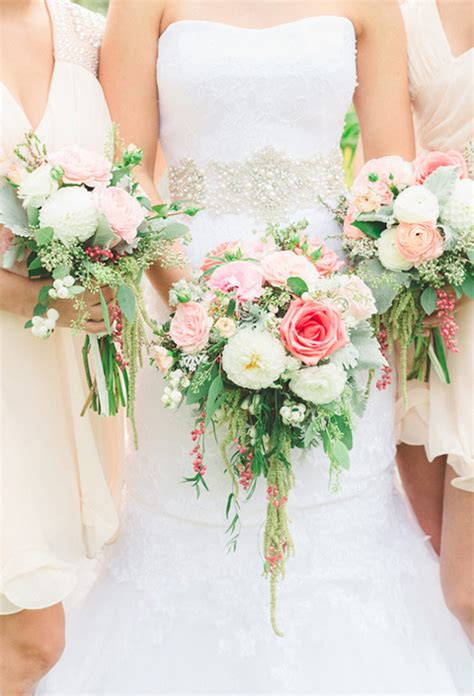 shabby chic style floral bouquet bridal bouquet inspiration preowned wedding dresses