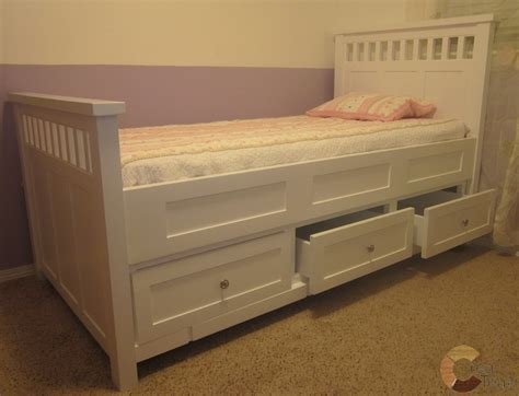 Tempat Tidur Minimalis Olympic tempat tidur anak minimalis duco model laci bawah
