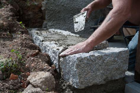 gartenmauer selber bauen gartenmauer bauen 187 so gehen sie am besten vor
