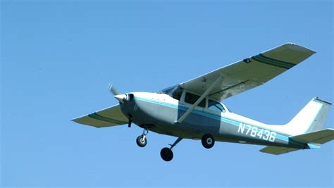 small plans aviation photos airplanes flying clouds flight planes