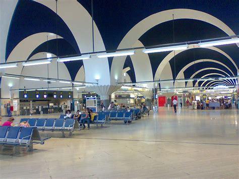 aeropuerto sevilla salidas aeropuerto de sevilla san pablo viajar a sevilla