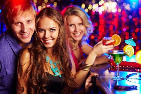 top 10 simple ways to impress a woman askmen simple ways to impress women socialize with her friends 7