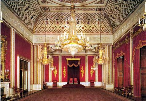 buckingham palace throne room 83 buckingham palace and the state rooms 1000 things to do
