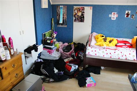 how to clean a cluttered bedroom my room before and after cleaning candyabuse
