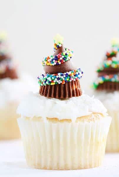 cupcake christmas tree decirations chocolate tree cupcakes i am baker