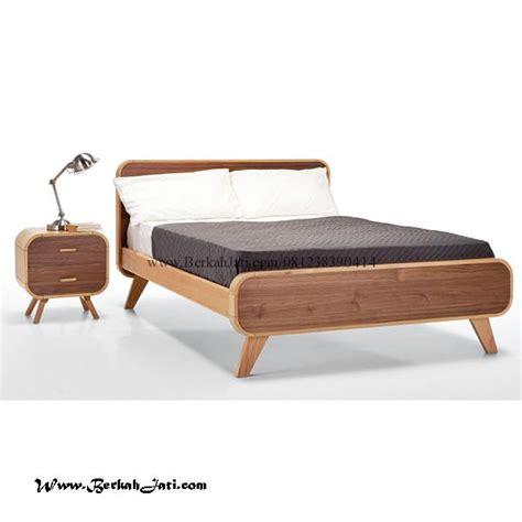 Tempat Tidur Ful Ukiran Motif Bunga Bunga tempat tidur vintage modern kayu jati berkah jati furniture berkah jati furniture