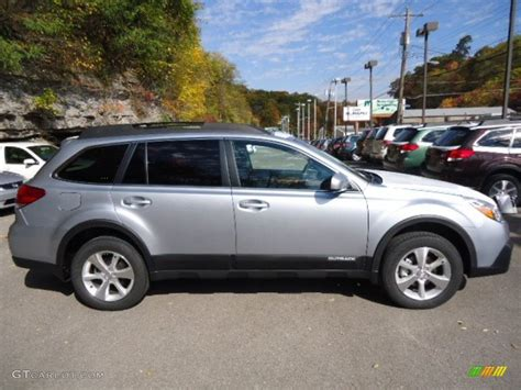 Ice Silver Metallic 2013 Subaru Outback 2 5i Limited