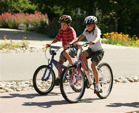 bike riding child riding a bicyclemanunez