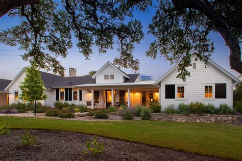 one story farmhouse coastal cottage single story exterior farmhouse with covered porch traditional landscaping