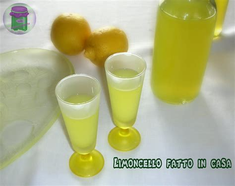 Preparazione Limoncello Fatto In Casa by Limoncello Fatto In Casa Ricetta Liquore Cucina Prediletta