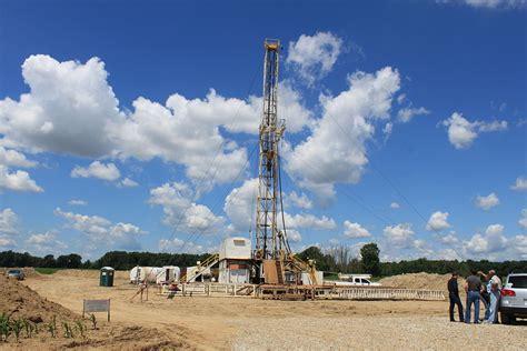 file drilling rig saline township michigan jpg