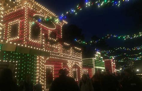 Christmas Lights Shows And Parades In Branson Mo Branson Missouri Lights