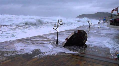 imagenes muy impresionantes olas muy grandes y mareas muy vivas en zarautz 3 3 2014
