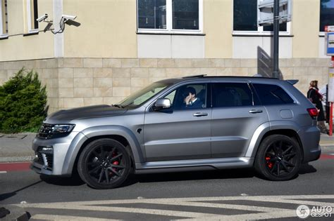 jeep grand cherokee srt offroad jeep grand cherokee srt 8 tyrannos 14 october 2016