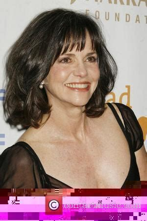 sally field hairstyles over 60 sally field 30 awe inspiring hairstyles for women over 60