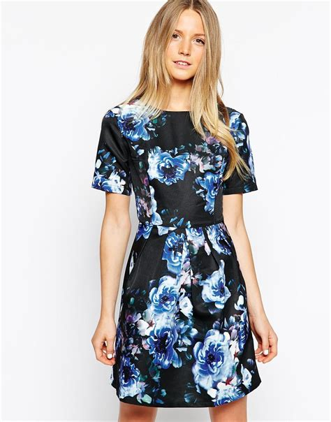 Get The Look Black White Floral Dresses For 100 by Salma Hayek Looks Chic As She Promotes The Prophet In