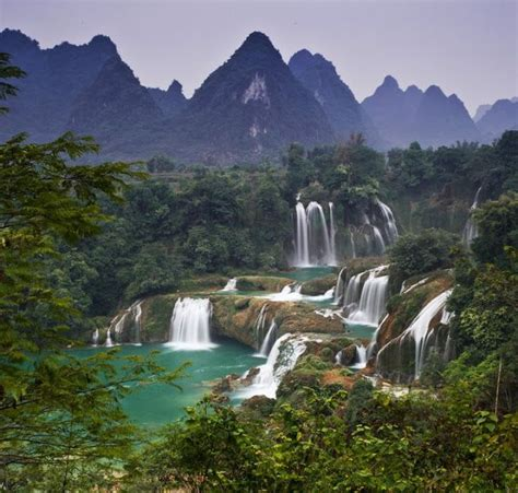 famous waterfalls in the world best waterfalls in the world waterfalls pinterest