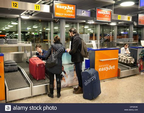 easyjet check inn easyjet speedy boarding baggage check in geneva airport