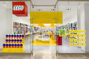 Lego Store Madrid Observations Color