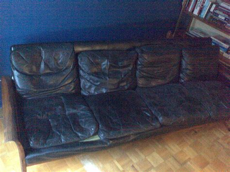 Stains On Leather Sofa How To Clean Dirt Stains On Leather Sofa Ehow Uk