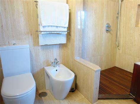 fishzero g ste wc mit dusche gr e verschiedene - Klo Mit Dusche Und Fön