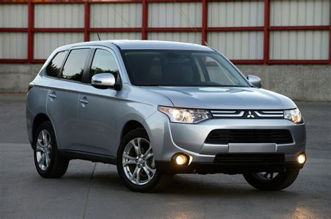 mitsubishi outlander 2014 mitsubishi outlander reviews and rating motor trend