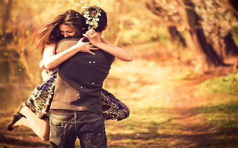 images of love couples hugging cute couple hug wallpapers pictures of lovers hugging
