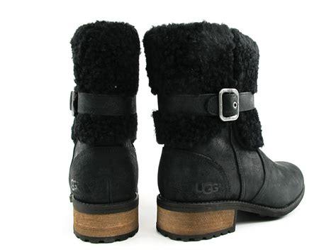are uggs comfortable ugg boots comfortable walking