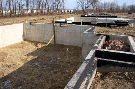 beton fliesen terrasse streichen terrassenplatten streichen terrassenplatten streichen
