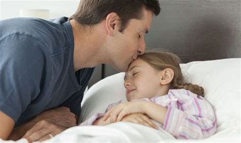 putting kids to bed parents loose eight days a year in bedtime battles with