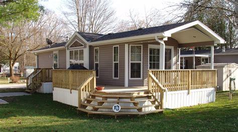 wrap around porch homes mobile homes with wrap around porch