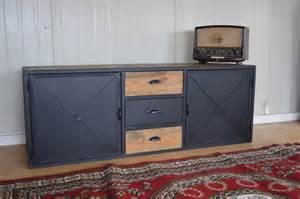 Supérieur Ikea Meuble Chambre Ado #5: meuble-industriel-tv-acier-et-bois-vintage.jpg