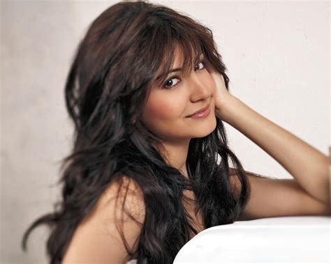 anushka sharma bollywood actress hd wallpapers super hd