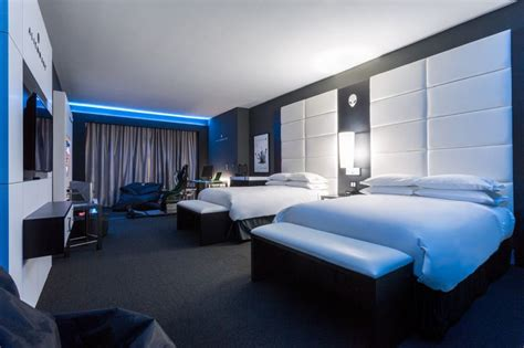 theme hotel crazy games hilton panama s alienware room for game crazy travelers