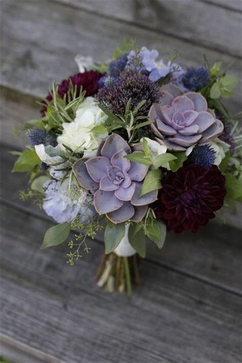 smoking hot winter wedding bouquets   resist