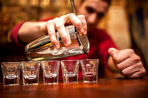 Bartenders Simple Tip Cool Warm Glasses how to accurately measure a without a glass