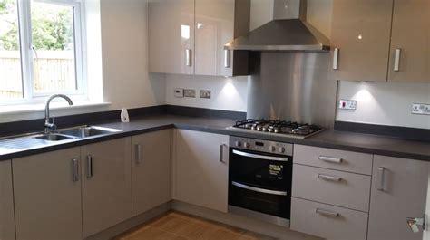 symphony kitchen woodbury cashmere units with dark ash work top interiors pinterest