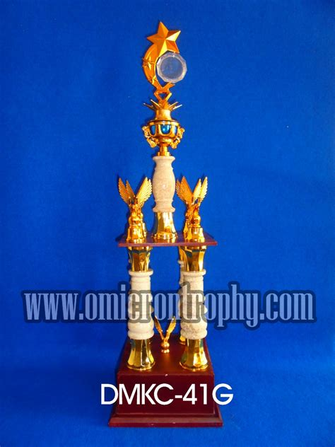 Sale Piala Trophy Kaki 2 Tinggi 75cm trophy award dan trophy kejuaraan omicron trophy