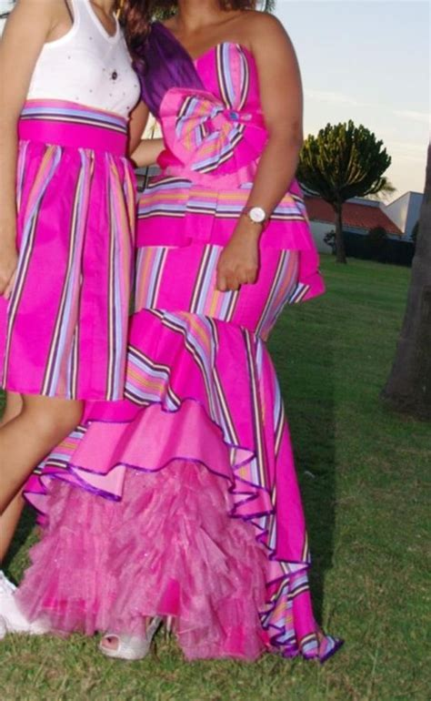 Traditional wedding dresses, Traditional weddings and