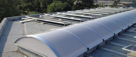 cupole per lucernari lucernari industriali in policarbonato lucernari per