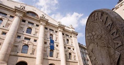 orario delle banche listini in attesa delle mosse delle banche centrali il