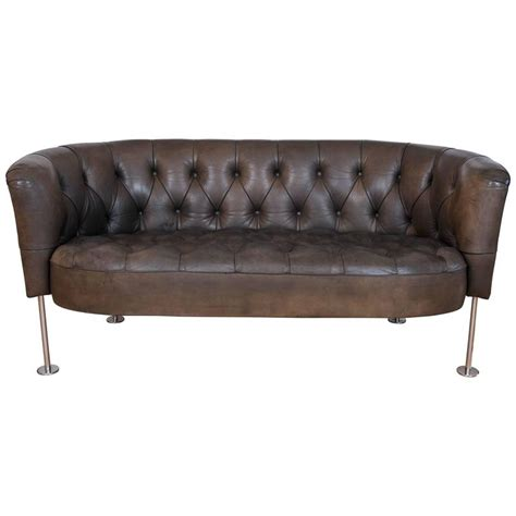 tufted leather loveseat tufted green leather loveseat settee at 1stdibs