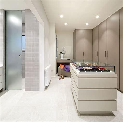 vestidor con isla molins interiors arquitectura interior interiorismo