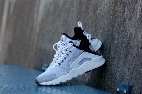 Nike Huarache Black White Bnib 100 2 nike wmns huarache ultra white white black 819151 100