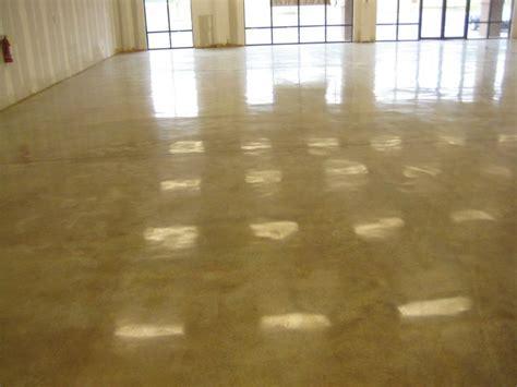pavimento cemento lucidato come posare un pavimento in cemento la scelta delle