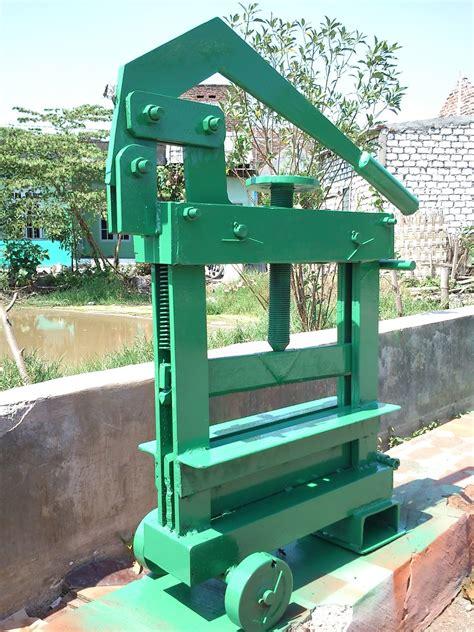 Jual Cetakan Batako Di Samarinda mesin cetak batako mesin paving murah dan berkualitas di